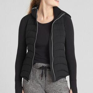 Gap Fit black hooded puffer vest S